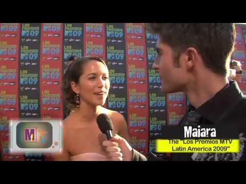 Maiara Walsh   MTV Los Premios 09 on red carpet