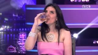 """الليلة دي   شاهد…حورية فرغلي تشرب """"خل"""" على الهواء وتعترف """"ده مشروبي المفضل"""""""