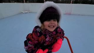 LEARNING TO ICE SKATE! SHE'S A PRO!! 🥶💙👱♀️⛸🏅