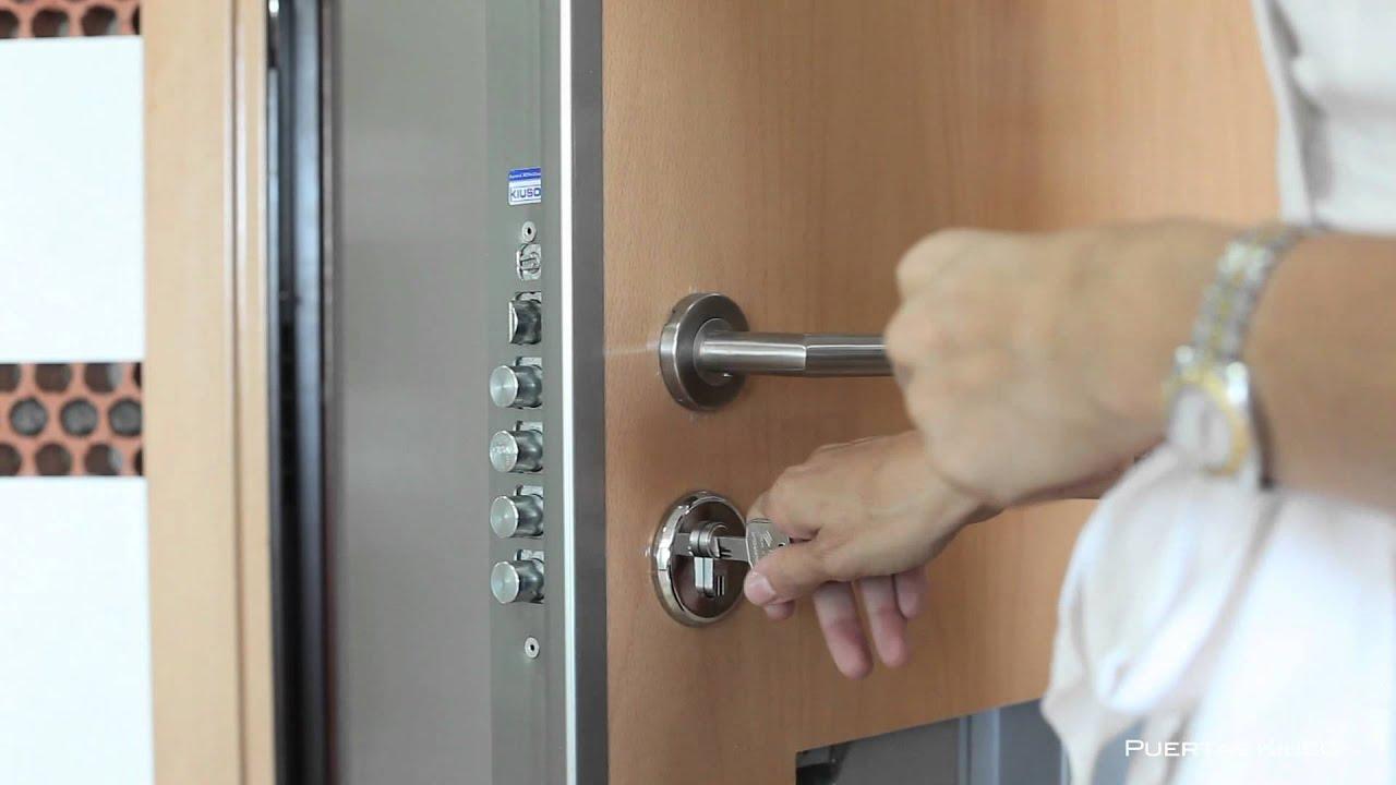 Puerta kiuso con cerradura antip nico youtube - Puertas de chapa galvanizada precios ...