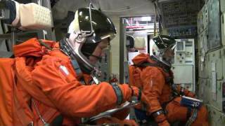 STS-133 Astronauts Train with New Crew Member