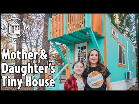 Single Mom Moves into TINY HOUSE VILLAGE w/ Daughter