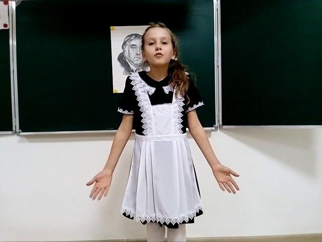 Изображение предпросмотра прочтения – СофьяСкрипниченко читает произведение «Лебедь, Рак и Щука» И.А.Крылова