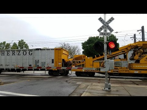 S Street Railroad Crossing, UP 6278 Herzog Work Train Northbound, Sacramento CA