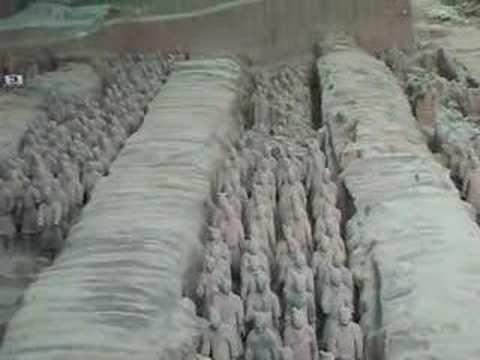 Chine Mausolée de l'empereur Qin ( la Grande Fouille de Xian )