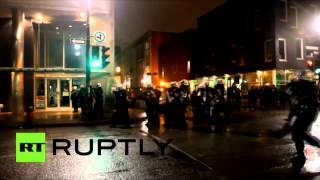Des étudiants se sont barricadés dans l'Université du Québec à Montréal après des interpellations
