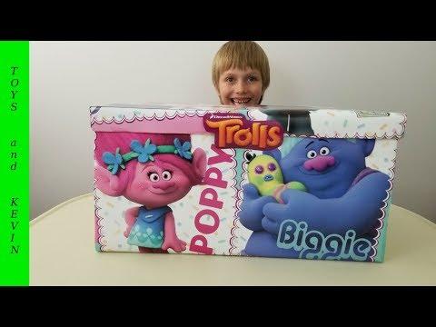 Видео: Коробка ТРОЛЛИ игрушки и киндер сюрпризы Сюрпризбокс Surprise box with trolls toys and kinder eggs