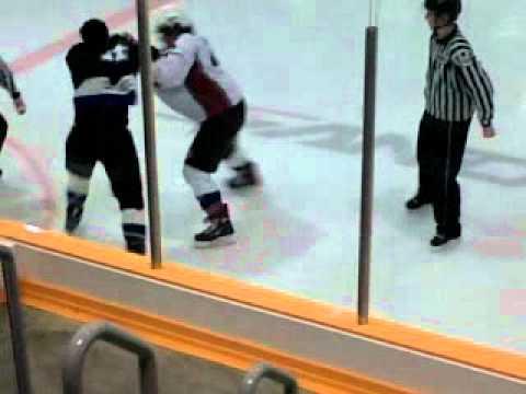 Amesbury(pilots) vs Desautels(icebreakers) pijhl fight