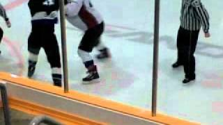 Amesbury(pilots) vs Desautels(icebreakers) pijhl fight