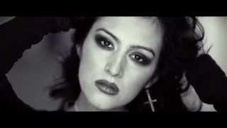 Adriiana Lombardo Teaser: 100 voices