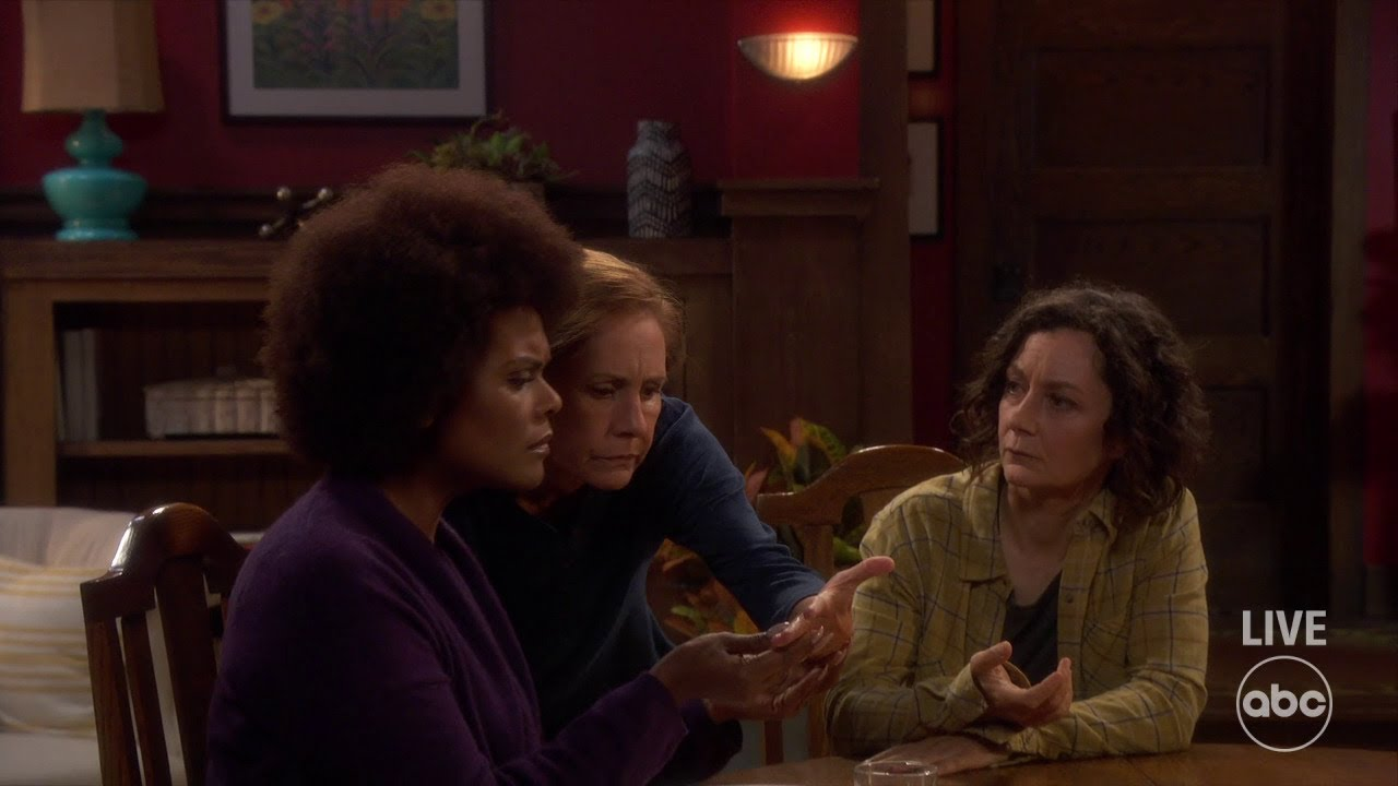 Download Darlene (and Jackie) See a Psychic - The Conners