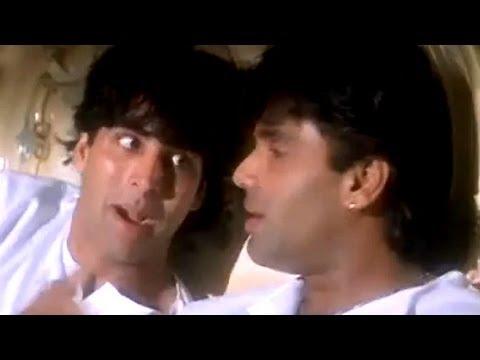 Akshay and Sunil talks about love - Sapoot Scene