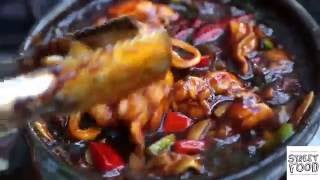 Street Food Around The World - Vietnam | Chao Ech Singapore | Frog Suop