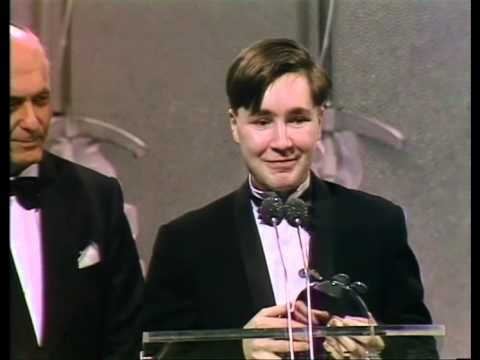 Nigel Kennedy wins Classical Recording presented by Sir George Sholty | BRIT Awards 1986