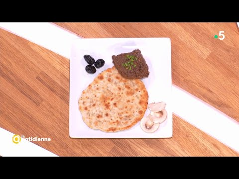 recette-:-pâté-forestier-champignons-et-olives,-pain-pita-au-zaatar---la-quotidienne