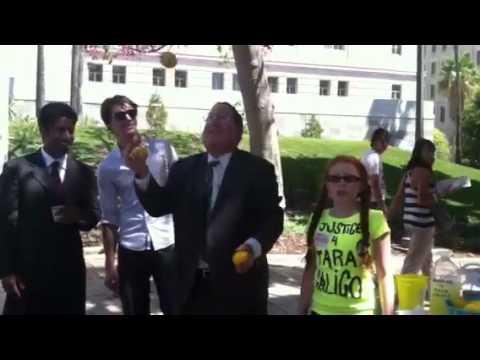 City Councilman Paul Koretz juggles Lemons4Justice with RJ