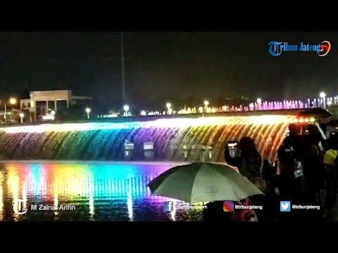 Peresmian Atraksi Air Mancur Menari Semarang Bridge Fountain
