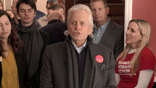 Actor Michael Douglas speaks about dad, campaigns for Bloomberg