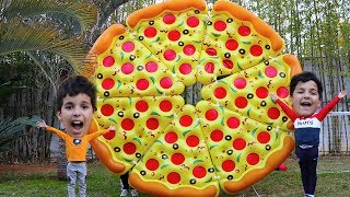 Kids Pretend Play with Giant pizzaToys ,les boys tv