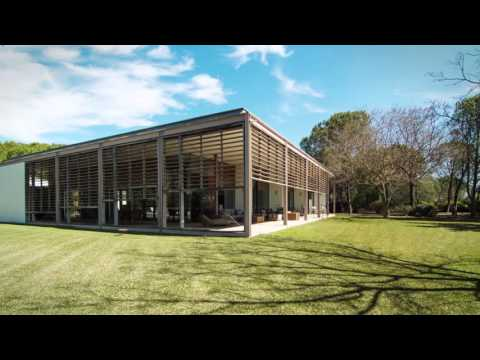Unique 8 bed contemporary country property for sale between Sevilla and Doñana National Park.