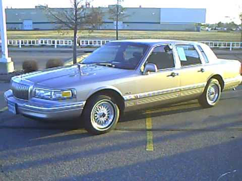1995 Lincoln Town Car Executive Series