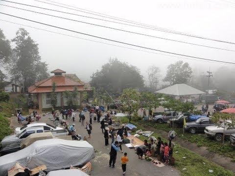 ตลาดนัดชายแดนห้วยโก๋น(huay kon market)