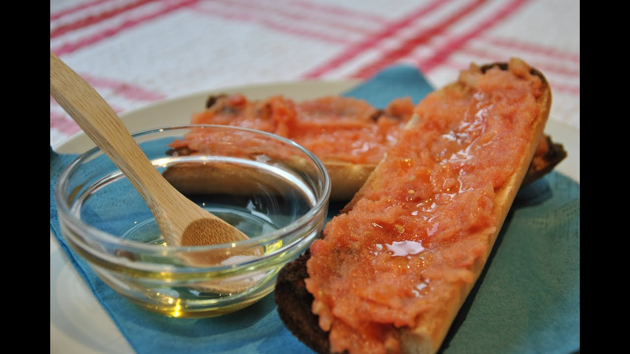 Pan con tomate o Pan Tumaca - YouTube