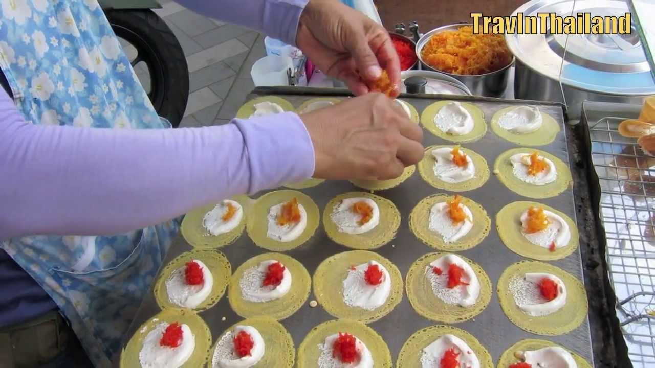 Thai Street Food Sweet Cream Crepe Kanom Beuang ขนม