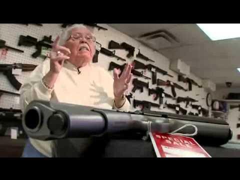Dân Mỹ đổ xô đi mua súng sau vụ thảm sát