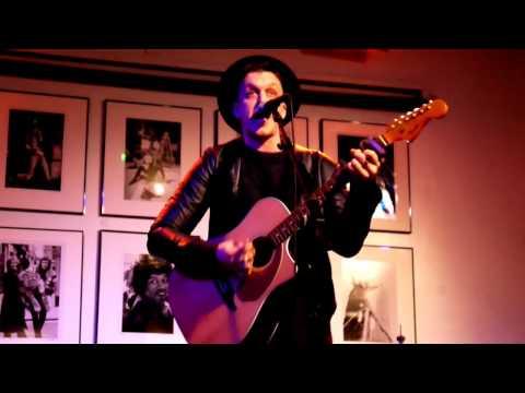 Charlie Eisenhower // Monkey // live in Camden