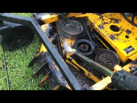 Pressure washing engine sludge | Wright Stander X Restoration Part 3!