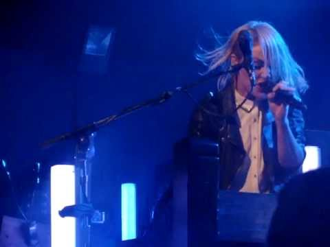 Metric - Speed The Collapse (Live @ Oxford)