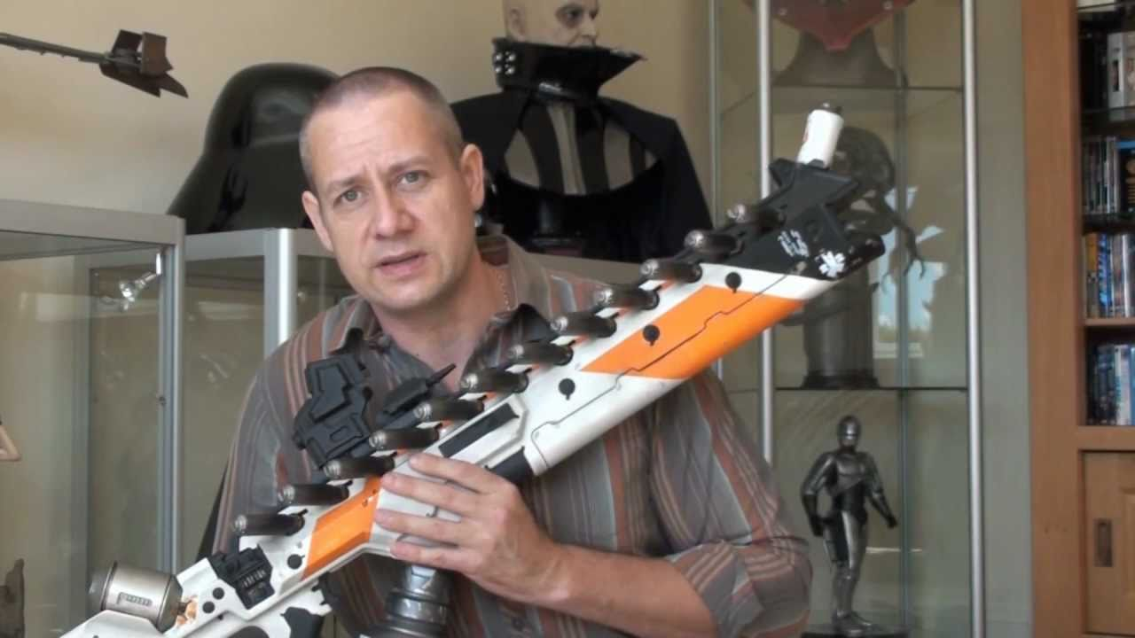 District 9 Assault Rifle - Life-Size Prop from Weta ...