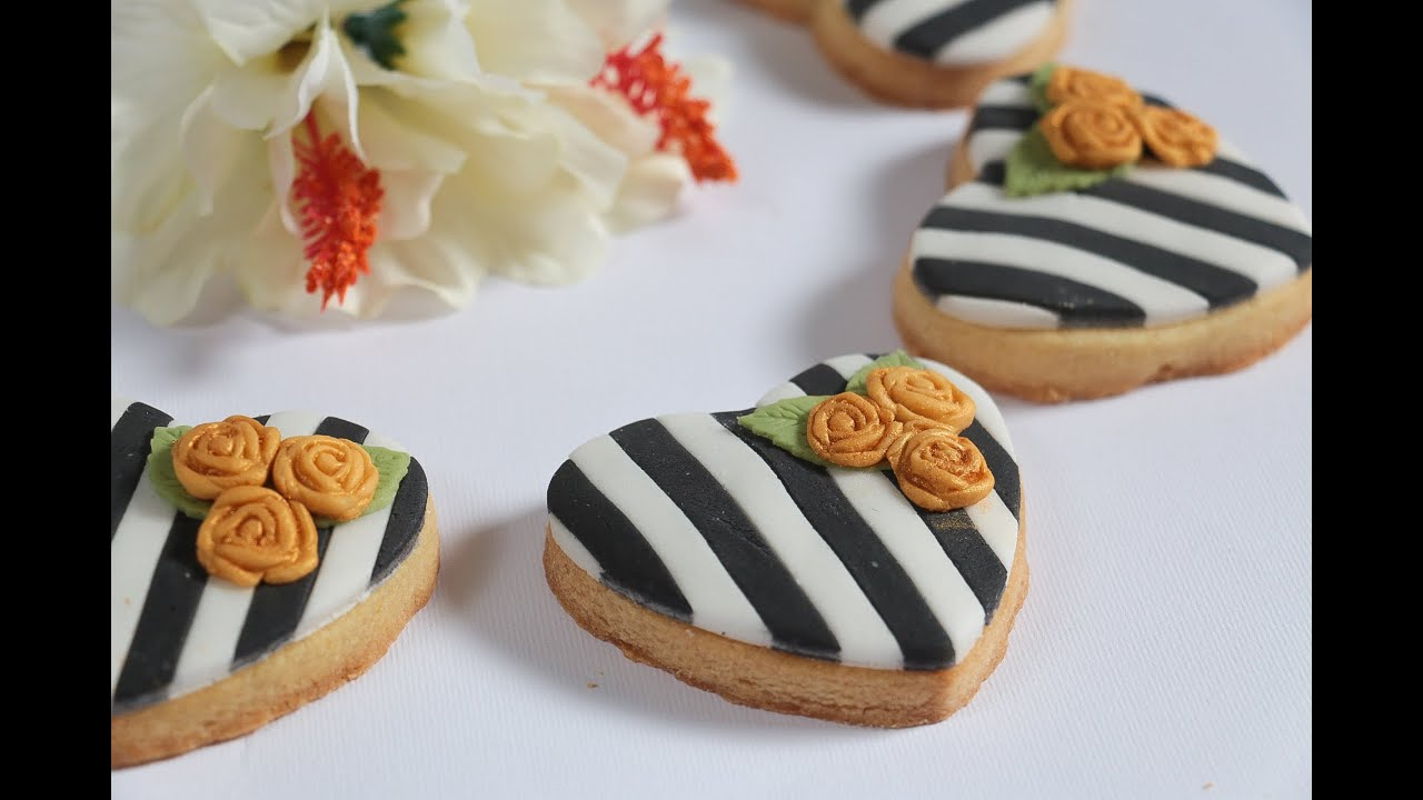 Striped Black And White Fodant Covered Cookie Youtube