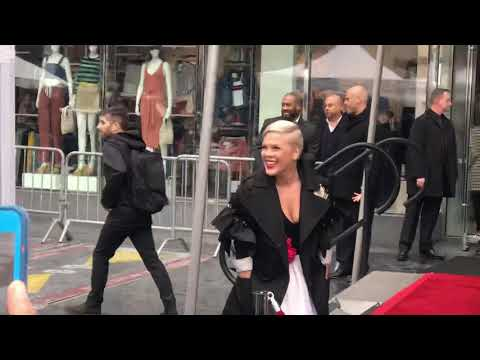 Pink gets star on Hollywood Walk of Fame Mp3