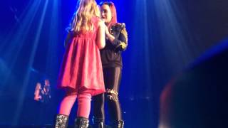 Demi Lovato Brings a Little Girl on Stage in Omaha, NE - Let It Go