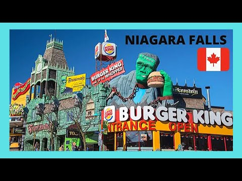 NIAGARA FALLS: The very touristy area of CLIFTON HILL (Canada)