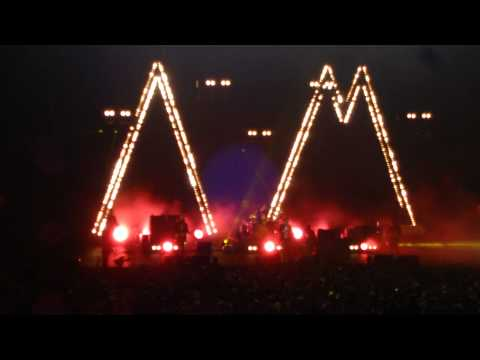 Arabella- Arctic Monkeys Live In NYC Feb 8th 2014