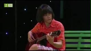 Hoài Linh - Hoài linh đánh guitar bài Nhỏ ơi, nghe mà hay