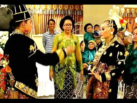 UPACARA PANGGIH - Pengantin Adat Jawa - Javanese Wedding Ceremony [HD]
