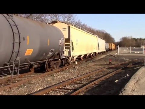 Two CSX GP40-2s Switching Fuller Street Siding