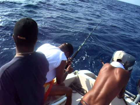 Tobacco caye deep sea fishing easter 2010 looking fwd to for Deep sea fishing belize
