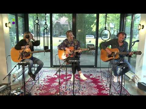 Ilse DeLange - Lay Your Weapons Down (Acoustic) || 538
