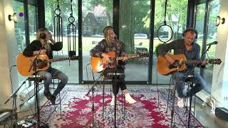 Ilse DeLange - Lay Your Weapons Down (Acoustic)    538