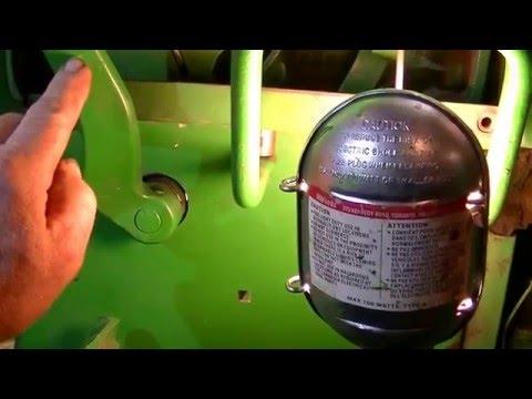 John Deere 4020 PTO Clutch Lever Adjustment - zeketheantiquefreak