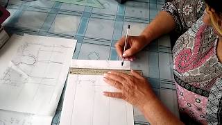 #571.Как построить выкройку-основу полуприлегающего женского платья