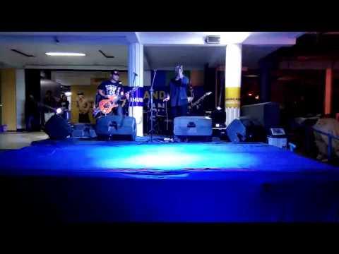 The Shine - Mencoba Berdiri single fullband live @bandungtransportfestival