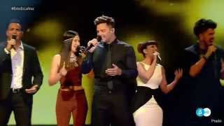(HIGH QUALITY) Ricky Martin performing