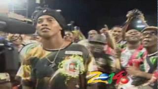 Ronaldinho Gaucho incendeia ensaio da Grande Rio na Sapucai