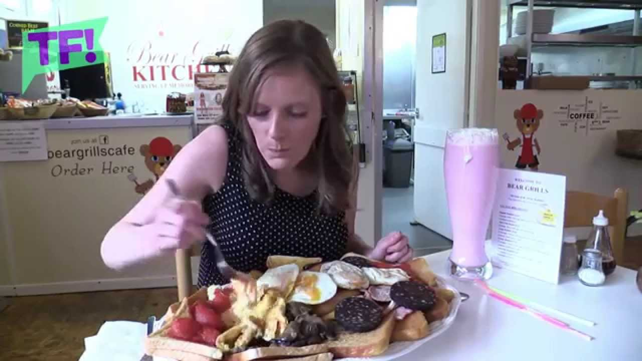 Watch This Woman Devour 8000 Calorie Mountain Of Food Youtube